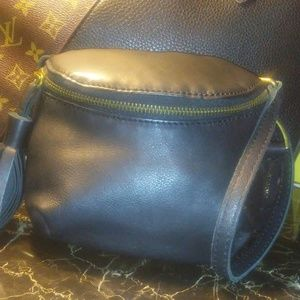 LUCKY BRAND black leather cross body bag